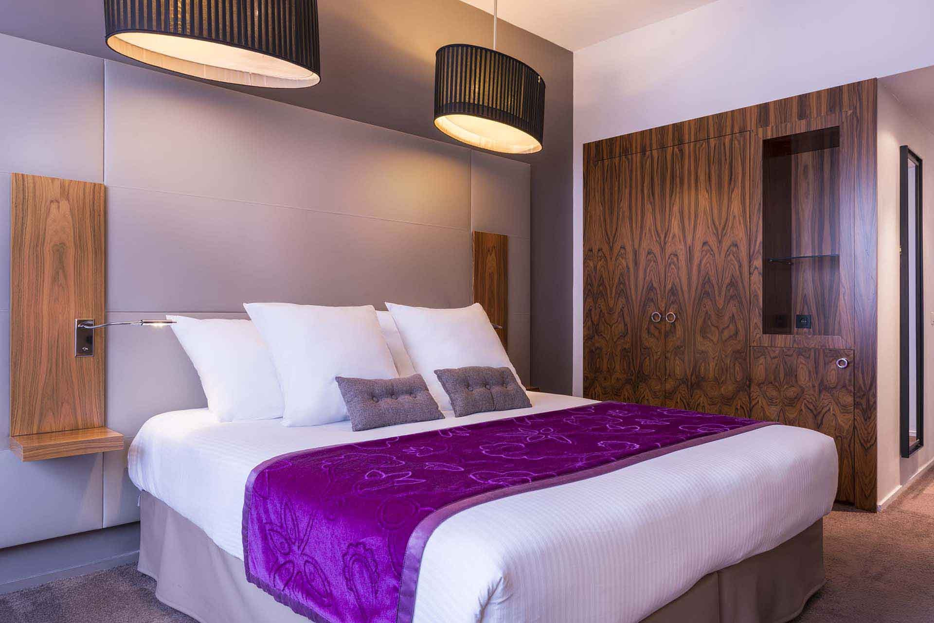 photo gallery hotel etoile saint honor. Black Bedroom Furniture Sets. Home Design Ideas