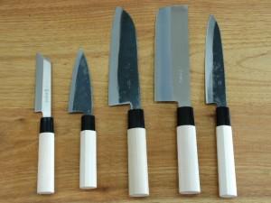 Différents couteaux traditionnels japonais