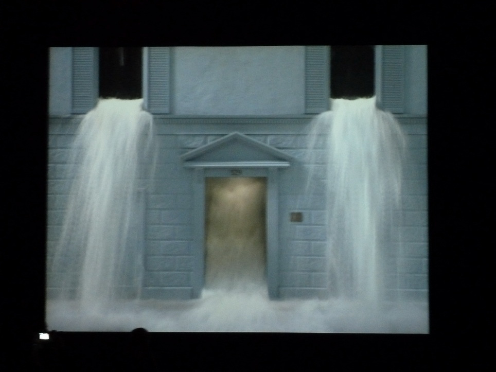 057 Bill Viola  going forth by day -sortir au jour 2002 installation audio video 5 parties 1-fire birth 2-the parh 3-the deluge 4-the voyage 5- first light coll Pinault
