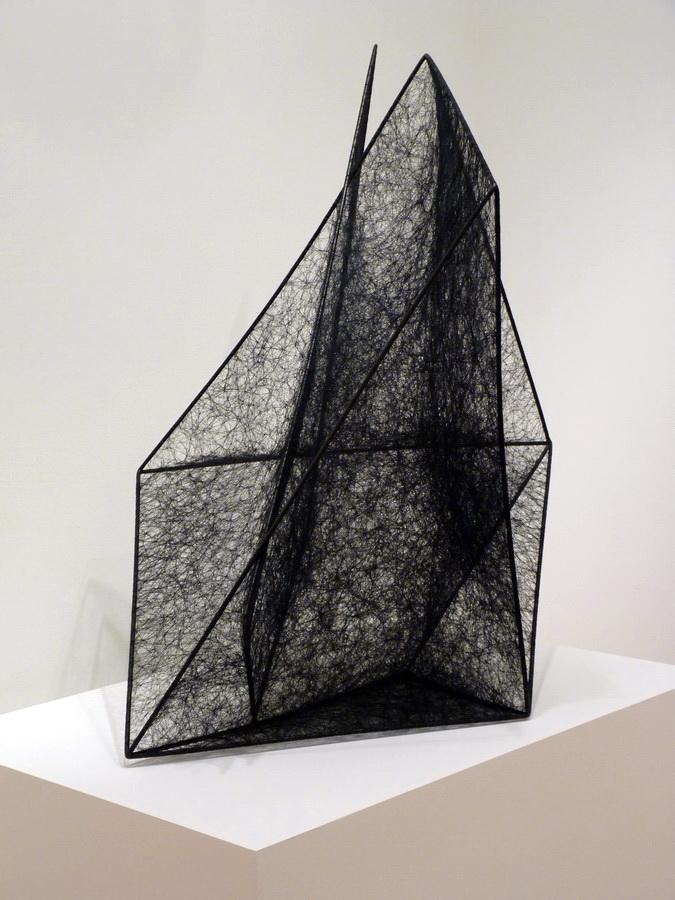 007 Chiharu Shiota ne1972 state of being -geometric black form 130x115x83cm 2014