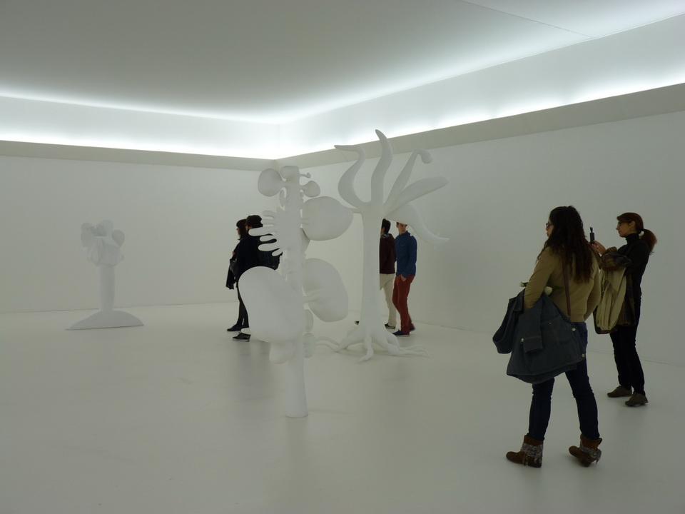 021  Christophe Berdaguer -Maris Pejus b1968-69 E.17 Y.40 A.18 C.28 X.40 0.13.5 2014 polytyrein resine filbre de verre peinture