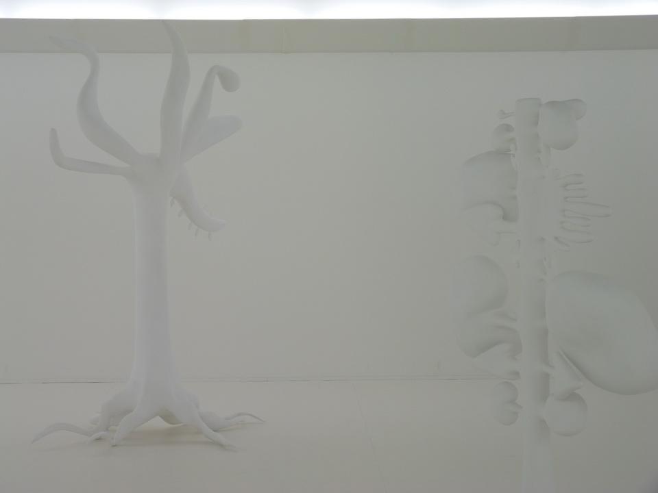 021-3  Christophe Berdaguer -Maris Pejus b1968-69 E.17 Y.40 A.18 C.28 X.40 0.13.5 2014 polytyrein resine filbre de verre peinture