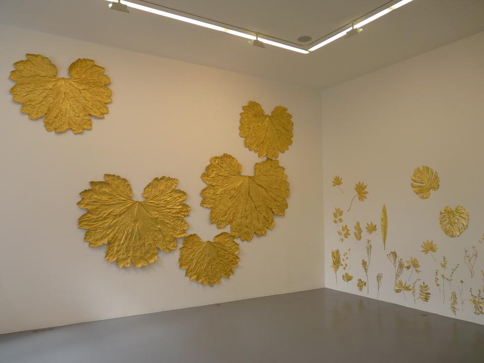 074 Lionel Esteve ne 1967sans titer serie de 58 oeuvres 2015 plantes dorees a la feuille d or