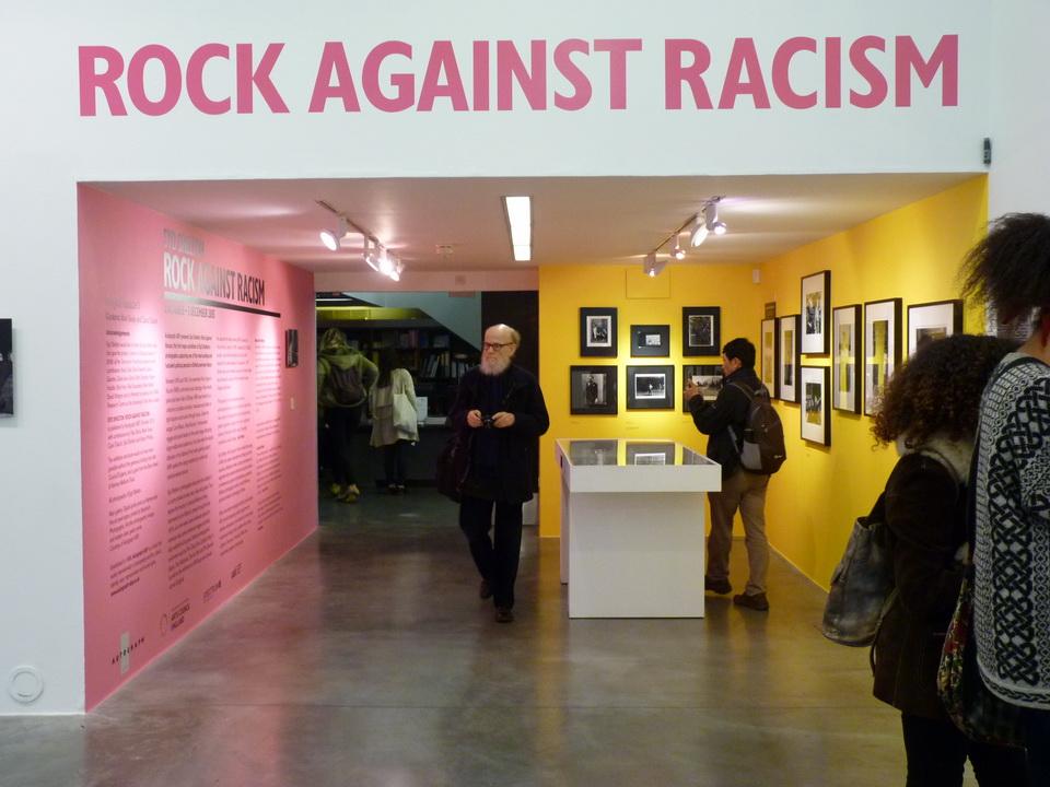 P1460276  PEER 影像藝術空間  Syd Shelton:「Rock against racism」2015