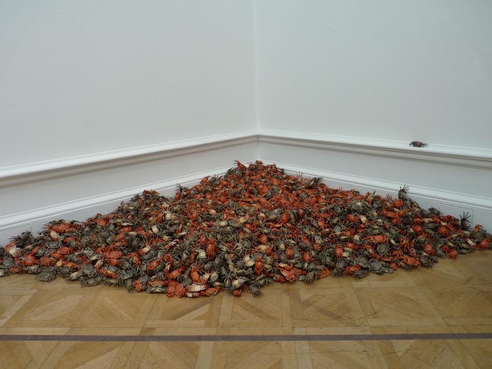 010  Ai Weiwei he xie 2011 porcelain 3000 pieces