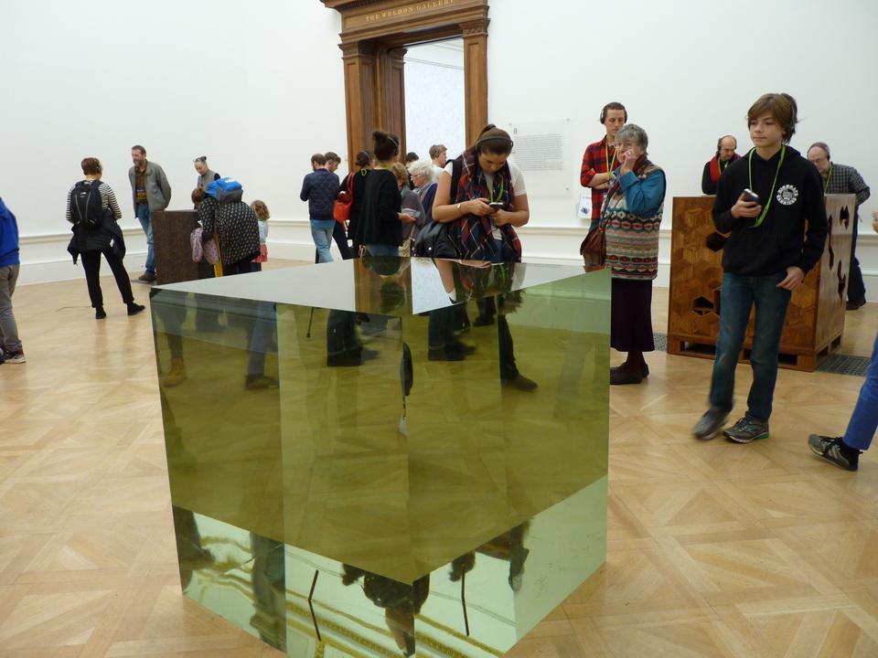 020-3  Ai Weiwei  crystal cube 2014 crystal