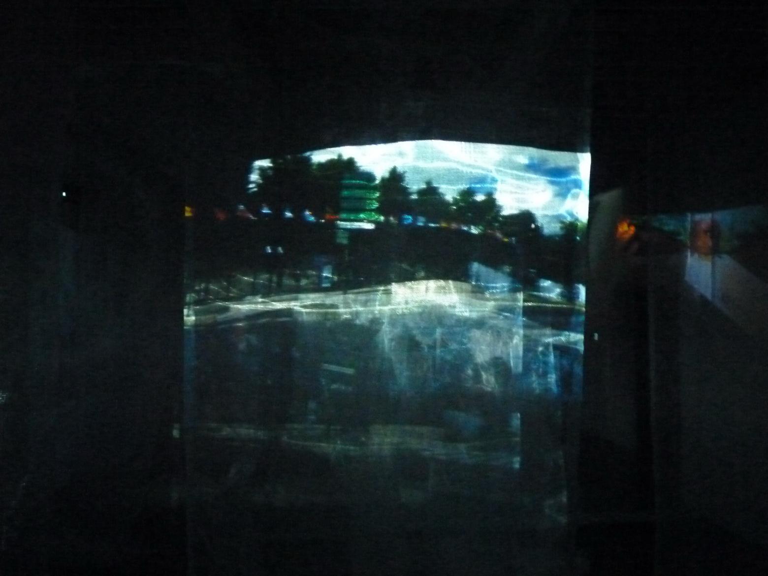 010  蕭美玲 我的記憶是哪的風景 2015 10個錄影空間裝置