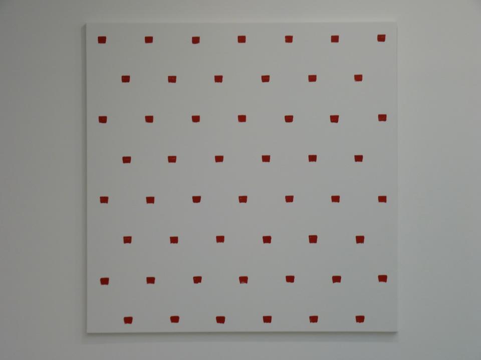 054  Niele Toroni  empreintes des pinceau n-50 a intervalles reguliers de 30cm acrylique rouge  sur toile 200x200cm 2016