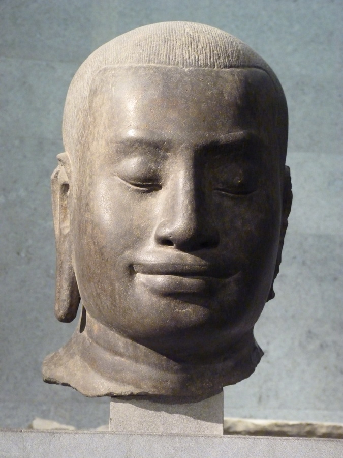 p1520555-portrait-presume-de-jayavarman-vii-cambodge-fin-du-xii-debut-du-viii-siecle-gres