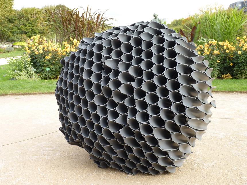 003-vincent-mauger-sans-titre-200x200cm-2015-tubes-de-pvc