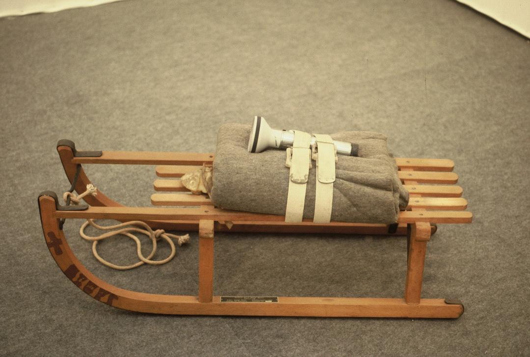 021 Joseph Beuys 雪橇1970年 53×86×43