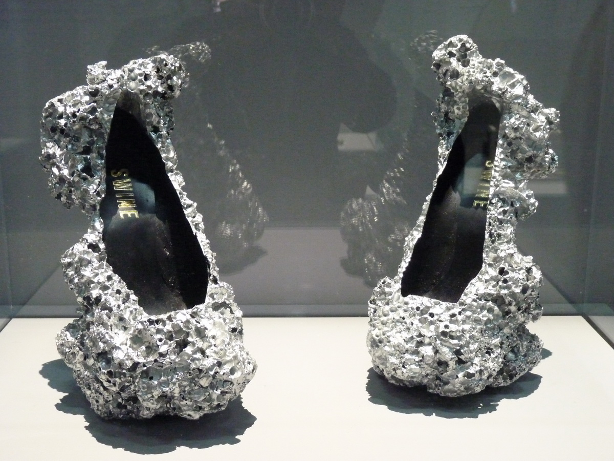 P1610960 Studio Swine meteorite shoes 2014 mousse d aluminium cuir