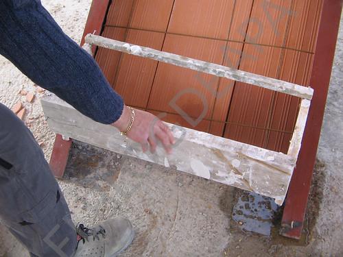 Detalle constructivo escalera metálica