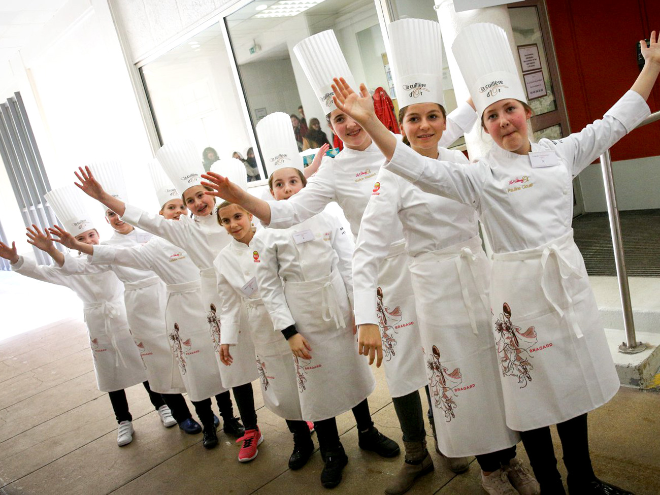 Concours de gastronomie pour petites filles