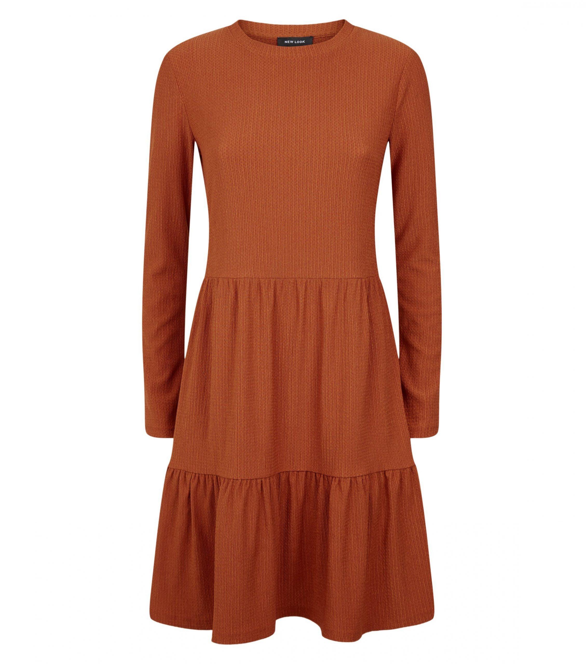 Robe Rouge Brique Style Smocke A Plusieurs Epaisseurs Et A Manches Longues Drest