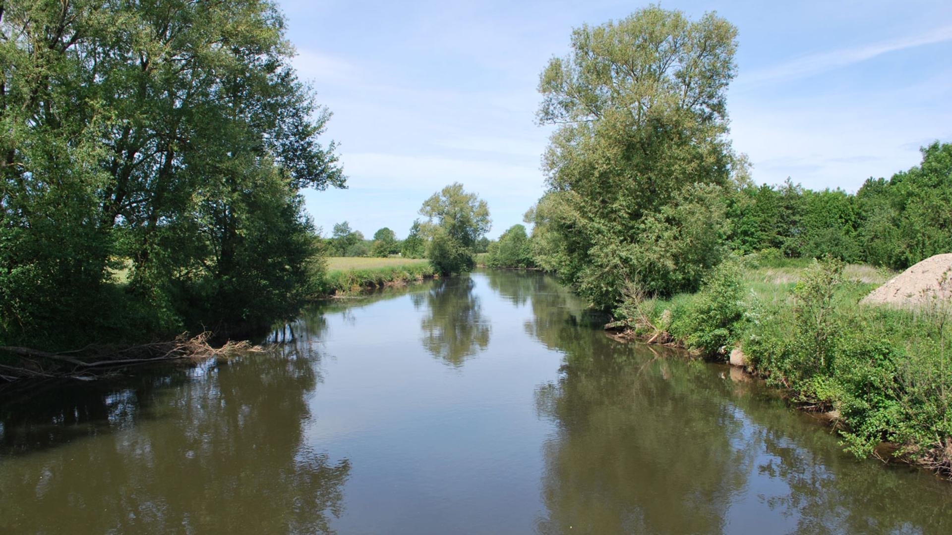 Cours d'eau de la Chiers dans les Ardennes