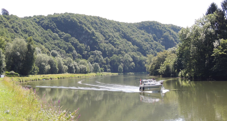 Meuse - Péniche - Tourisme