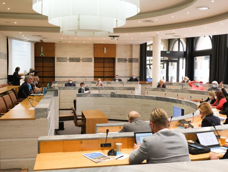 Assemblée des élus lors de l'élection du 11 octobre 2021 à Châlons-en-Champagne