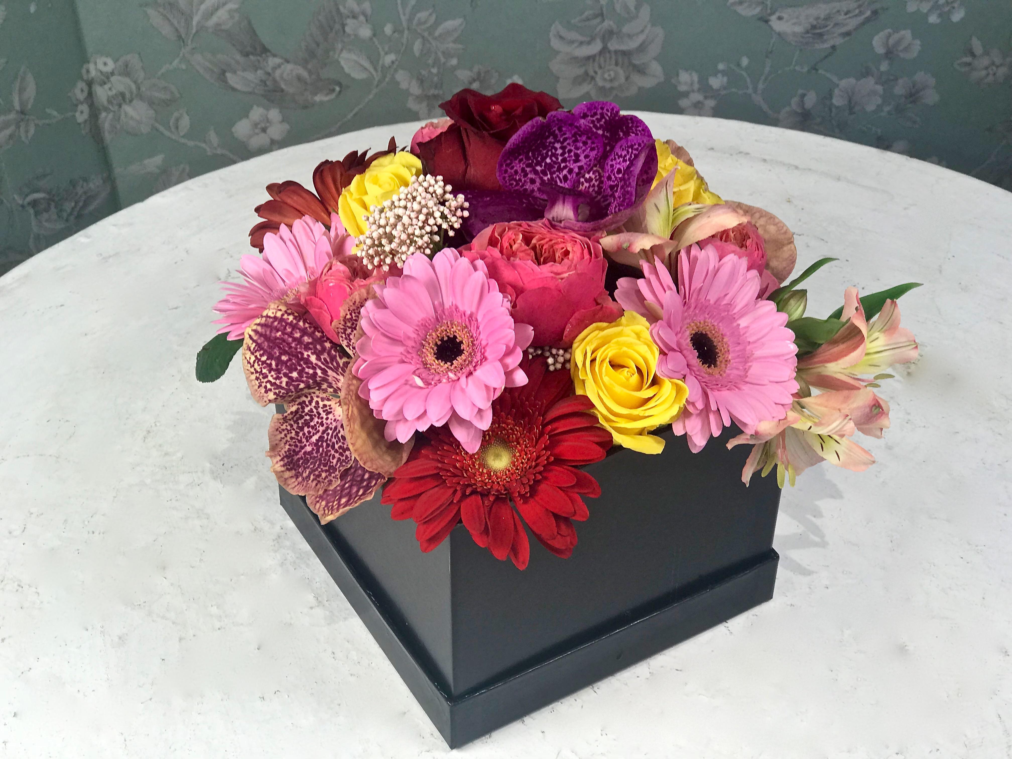 Immagini Fiori.Flower Box Di Fiori Misti Di Stagione Fiorit Fiori A Domicilio