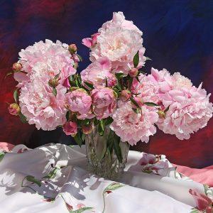 Peonie rosa con vaso