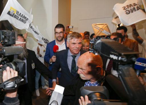 Kris van Dijck (NVA) démissionne et laisse sa place à la tête du parlement flamand à Filip Dewinter (VB)