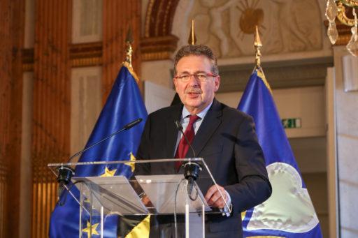 Bruxelles: un gouvernement attendu mardi et une mesure qui fait déjà polémique