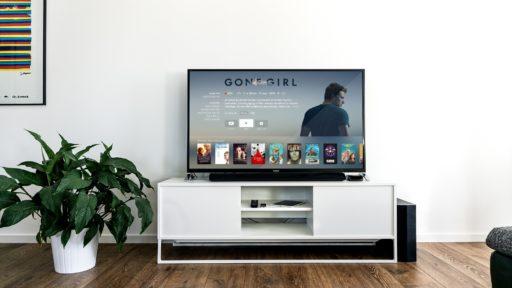 Pour célébrer l'alunissage, rien de tel que de se plonger dans l'imaginaire de réalisateurs qui ont exploré l'espace avec leurs scénarios. 8 films Netflix sur l'espace