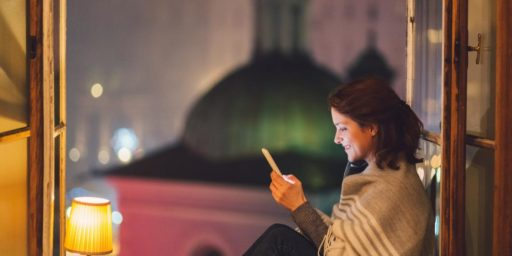 Nous y sommes: la plupart des couples se rencontrent maintenant en ligne