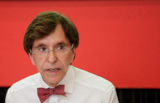 Elio Di Rupo (PS) entrouvre la porte à la N-VA et évite le poids de la crise
