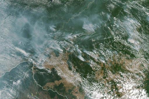 Pire que Notre-Dame: la forêt amazonienne brûle à un rythme impressionnant