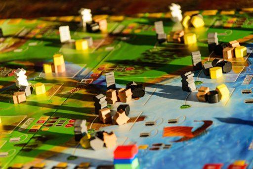 Voici 7 bars incontournables où tu peux jouer à des jeux de société en Belgique