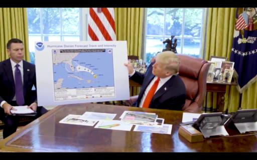 Quand le professeur Trump se prend pour un météorologue et puis s'enfonce