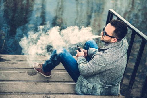 Visées par la justice américaine, les e-cigarettes Juul arrivent en Belgique ce mardi