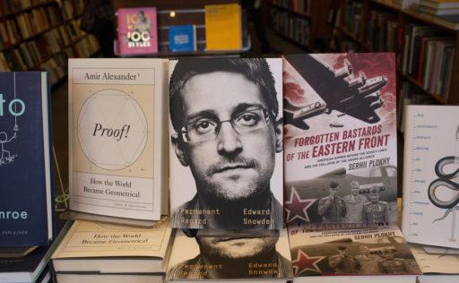 Les Etats-Unis collent un procès à Snowden pour son livre polémique: joli coup de pub