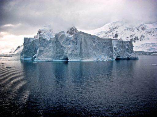 Un iceberg de 315 milliards de tonnes s'est détaché de l'Antarctique