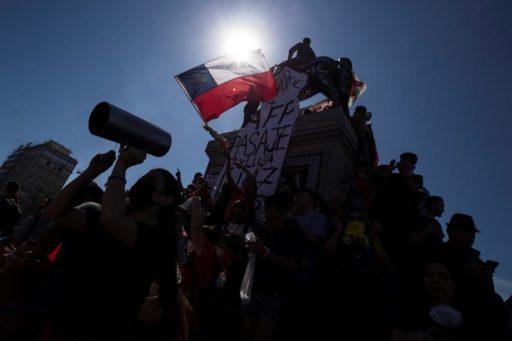 """""""Je demande pardon"""": des excuses du président chilien jugées insuffisantes face aux manifestations"""