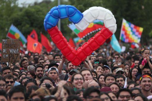 Le Chili lève l'état d'urgence: quelle suite aux manifestations?