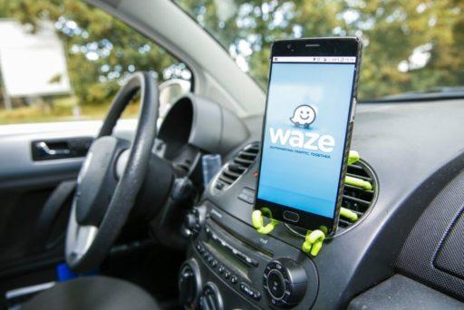 Waze: enfin une fonctionnalité qui indique sur quelle bande rouler