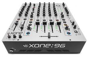 Pacha, la prestigiosa discoteca ibicenca, ha adquirido 6 mezcladores Xone:96, que se utilizarán por los DJs más prestigiosos..