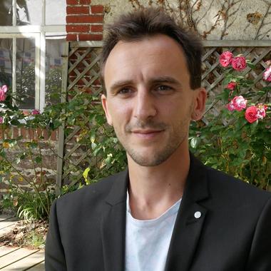 Guillaume Doucet Love Information