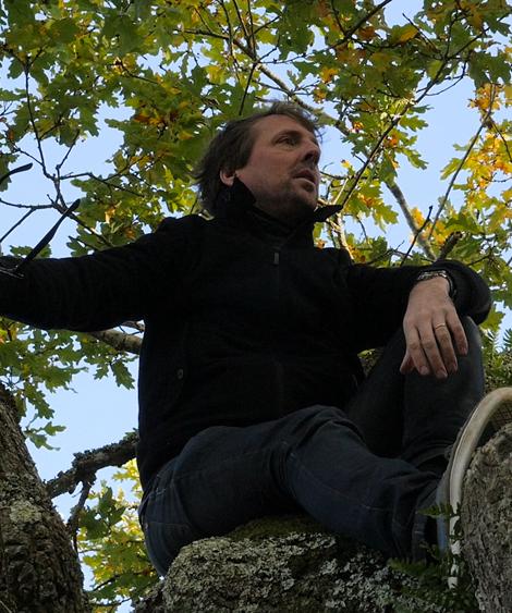 Patrice Pluyette dans les arbres