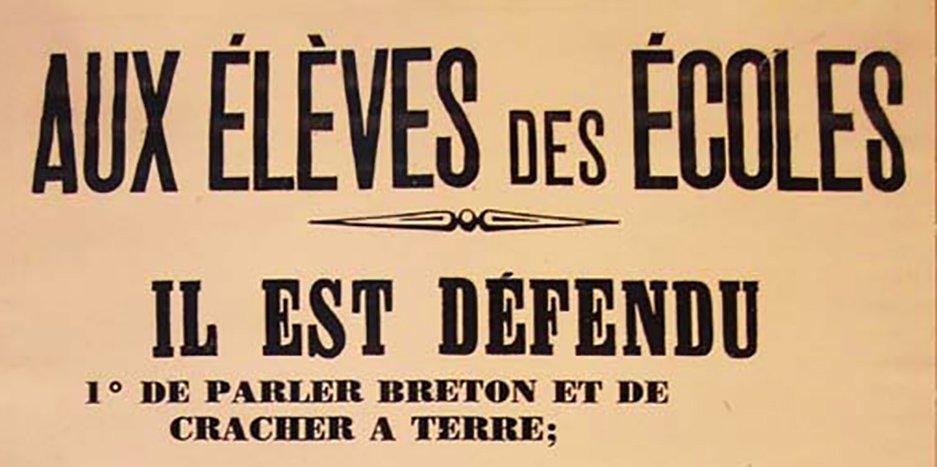 La parole assassinée Alyson Cleret affiche-interdiction-de-parler-breton kub