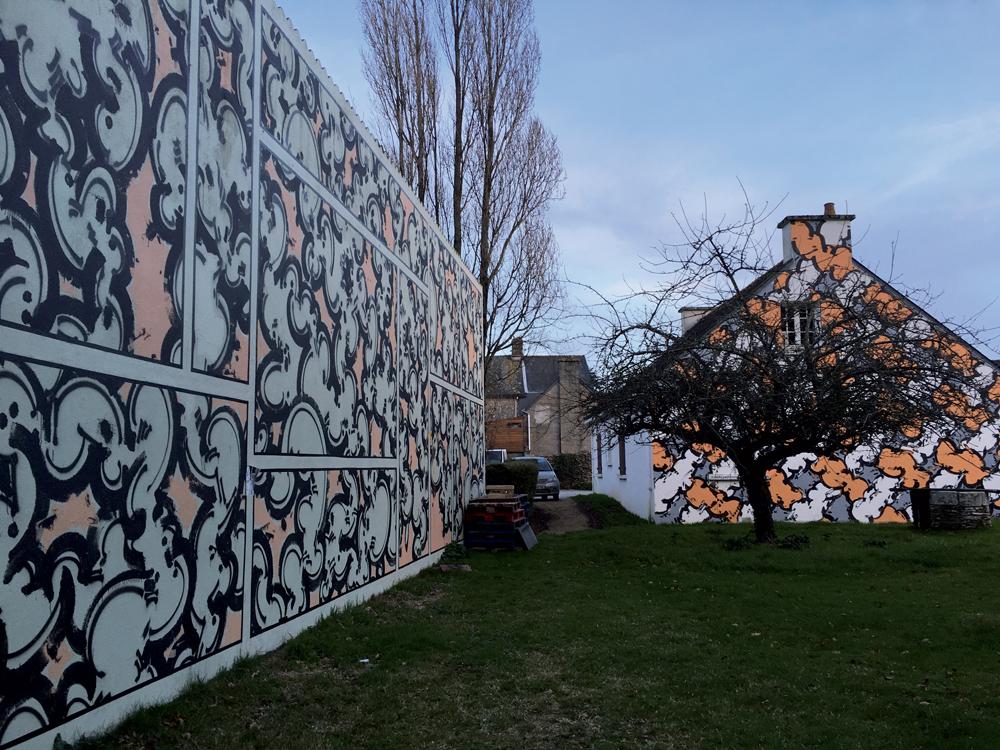 Mur extérieur peint - Villa Gregam - Sorties de Secours