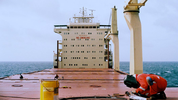 Réparations porte conteneur - Sea is my country