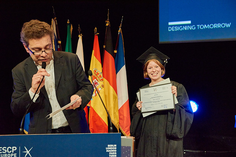 Remise du diplôme de Master en Management à l'ESCP