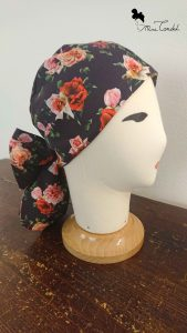 Turbante nero con rose, stile pirata chic (lato)