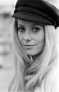 Cappello Basco, Catherine Deneuve
