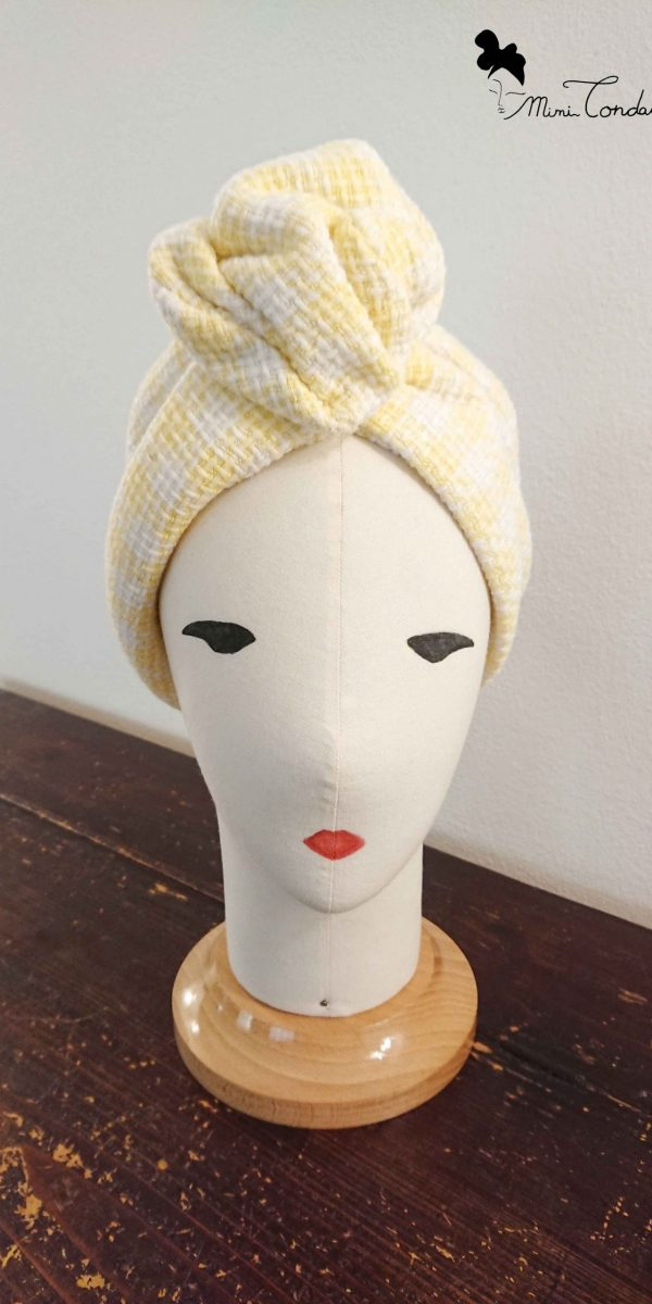 Turbante in tweed con filo di ferro, fronte
