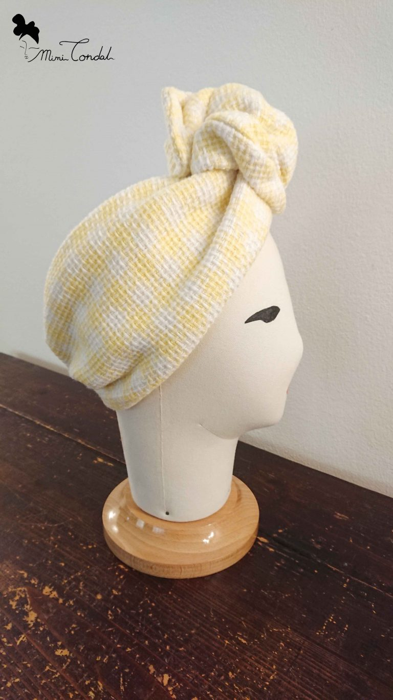 Turbante in tweed con filo di ferro, lato