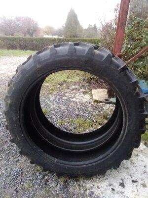 Pneus de démonte Michelin 230/95R36